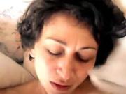 Sexy Hausfrau wird gefickt